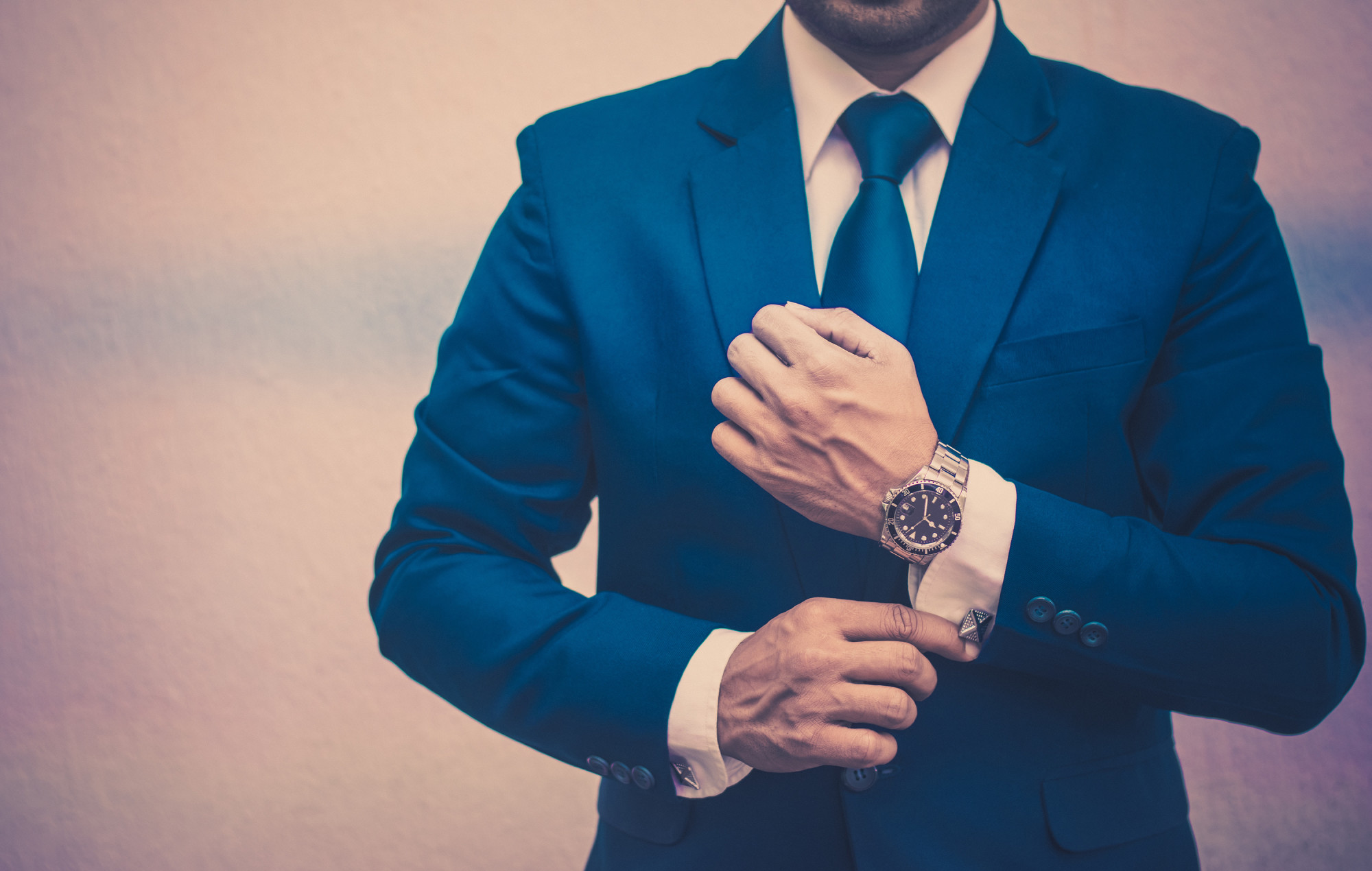 How to Look Great Wearing a Suit
