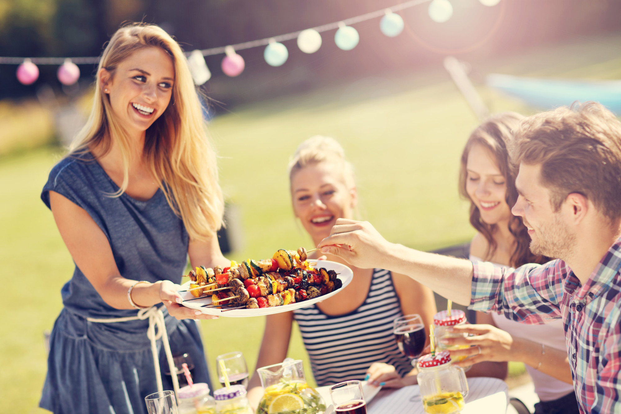 How to Plan and Host the Ultimate Backyard Party