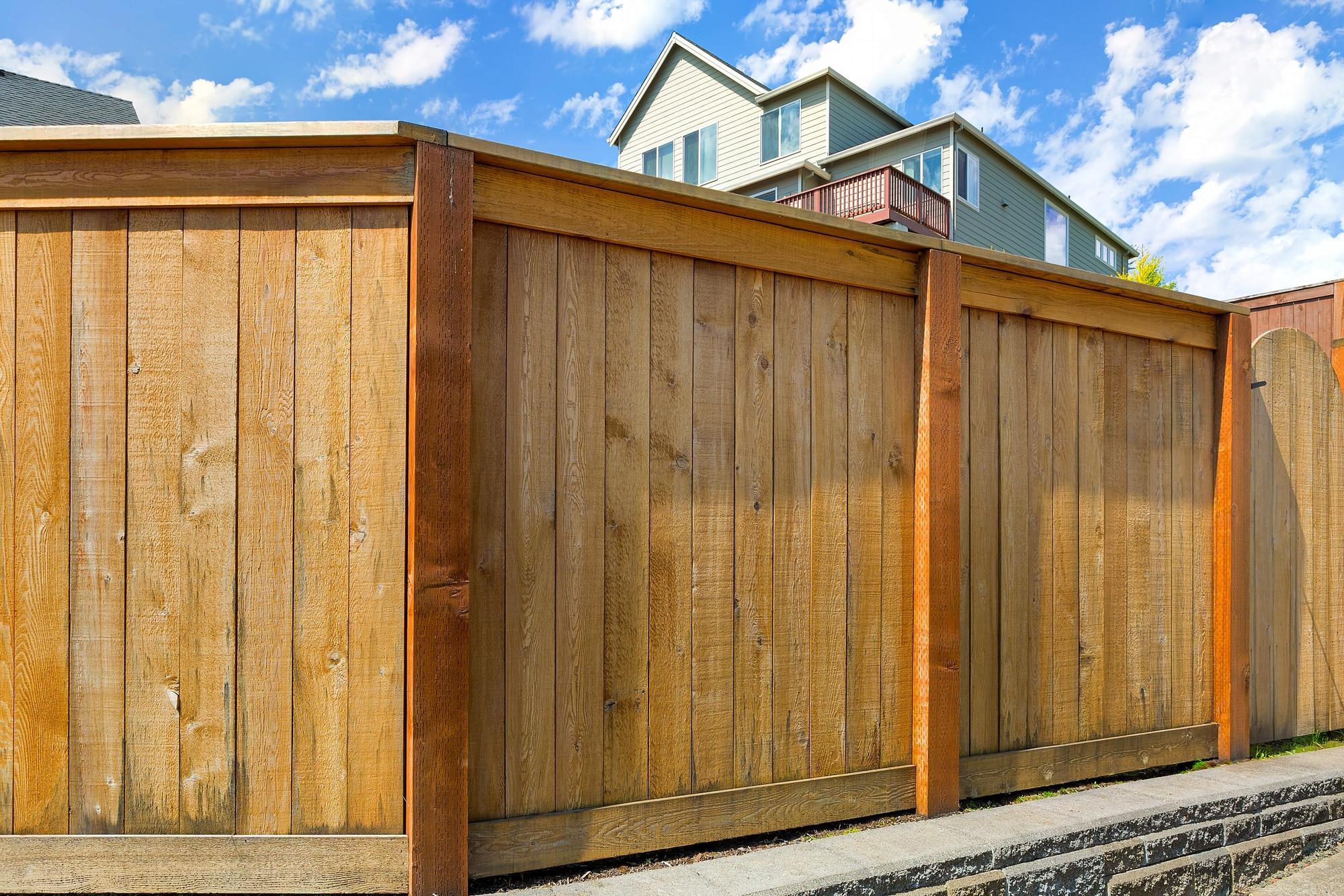 Choosing the Best Security Fence to Keep Burglars Away